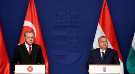 """Erdogan ameninţă, la Budapesta, alături de Viktor Orban, să """"deschidă porţile"""" refugiaţilor sirieni către Europa"""