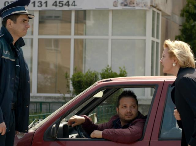 Sică, polițistul, intră în conflict cu directorul economic,  iar doctorița Emilia îi face primarului din Mangalița o propunere de nerefuzat