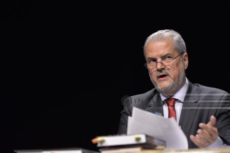 Iohannis anunţă că îi va retrage decoraţia lui Adrian Năstase, dar şi tuturor celor care au condamnări penale