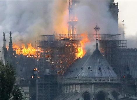 Incendiul de la catedrala Notre-Dame din Paris, evenimentul cel mai mediatizat pe Twitter în 2019