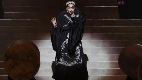 """Regina muzicii pop, Madonna, a fost dată în judecată pentru că întărzie la concerte: """"Iată ceva ce trebuie să înțelegeți cu toții. O regină nu întârzie niciodată"""""""