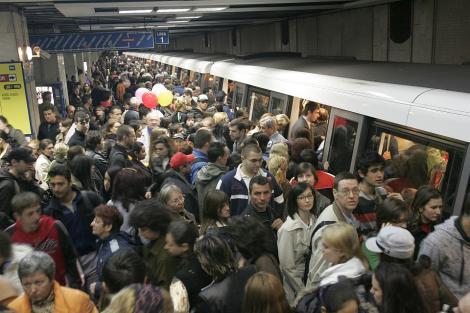 """Metroul din București s-ar putea închide. Mecanicii amenință cu intrarea în grevă. Sindicaliști: """"Angajații sunt foarte stresați și nemulțumiți!"""""""