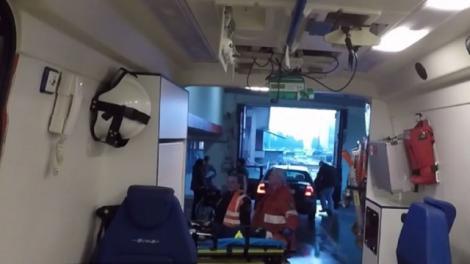 Accident teribil în Baia Mare! Un bărbat a ajuns la spital cu arsuri grave, după ce cazanul în care se topea metalul i-a explodat în faţă