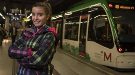 """Eroii există și merg cu metroul! Maria, o puștoaică care i-a salvat viața unui copil care se îneca: """"Tinerii fac și lucruri utile!"""""""