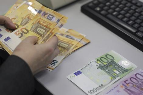 Iohannis, întrebat cum va afecta evaluarea Standard & Poor's economia românească: Unii investitori se vor gândi îo dată în plus dacă este cazul să investească în România sau nu, şi este posibil să apară o mică influenţă la dobânzi