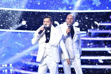 """Iată, vin colindătorii! Liviu Vârciu și Andrei Ștefănescu au cântat cele mai frumoase colinde, în marea finală """"Te cunosc de undeva!"""" - VIDEO"""