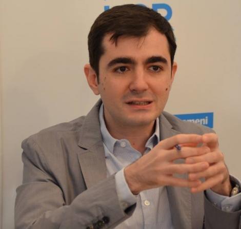 Claudiu Năsui: Asumarea răspunderii este o procedură care practic lasă Parlamentul în offside. Noi am criticat această metodă de a adopta legea bugetului