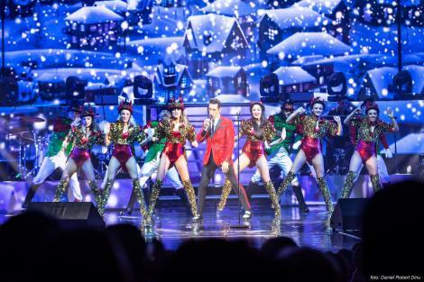 """Ștefan Bănică a sărbătorit """"majoratul"""" concertelor de Crăciun! Patru spectacole Sold Out la Sala Palatului"""