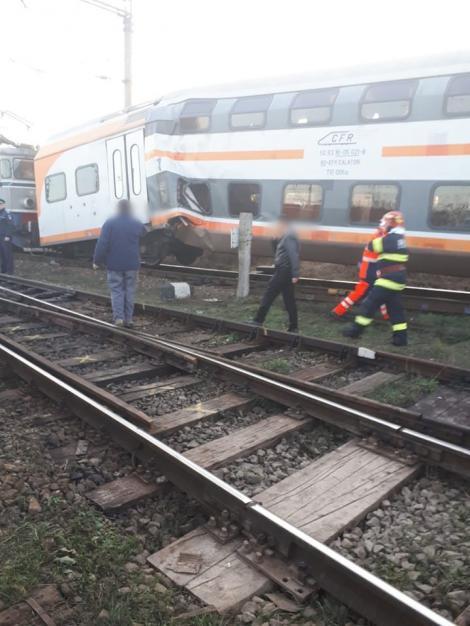 UPDATE: Două trenuri s-au ciocnit lângă Ploiești. Cel puțin 11 persoane sunt rănite. Acestea au fost transportate la spital cu elicopterul SMURD