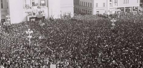 30 DE ANI DE LA REVOLUŢIE: În 19 decembrie, revolta a luat amploare, după ce muncitorii din fabrici au declanşat acţiuni de protest