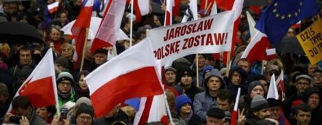 Mii de demonstranţi au contestat în oraşe din Polonia propunerile de reformă în justiţie ale partidului de guvernământ