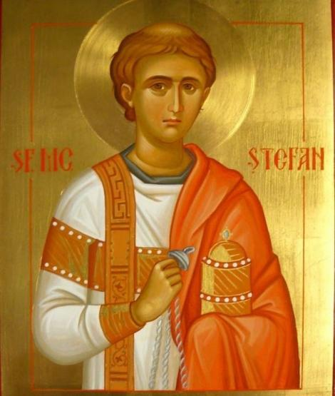 Creştinii îl sărbătoresc, în a treia zi de Crăciun, pe Sfântul Ştefan, primul care a vestit şi a mărturisit credinţa în Hristos
