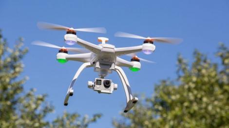 Administraţia Federală pentru Aviaţie din SUA propune urmărirea de la distanţă a majorităţii dronelor din spaţiul aerian al ţării