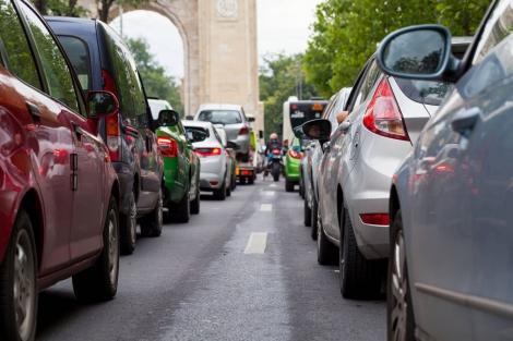 """Vești proaste pentru proprietarii de mașini. O nouă taxă auto, introdusă de Guvernul Orban în 2020: """"Putem vorbi despre o taxă de poluare!"""""""