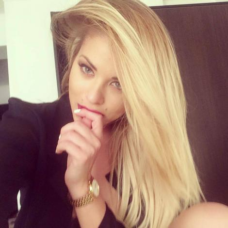 Roxana Nemeş se pregătește de nuntă? Vedeta este îndrăgostită lulea şi îşi strigă fericirea în gura mare