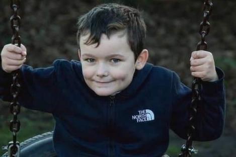 """Un băiețel de șapte ani a murit la câteva ore după ce a început să prezinte simptome de răceală. Părinții, șocați: """"Nu putem să ne explicăm ce s-a întâmplat!"""""""