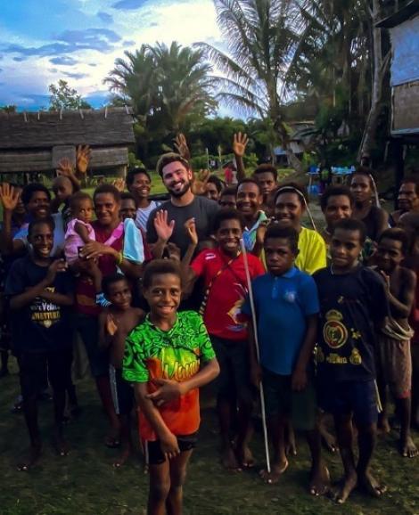 Actorul Zac Efron a fost spitalizat după ce s-a îmbolnăvit la filmări în Papua Noua Guinee