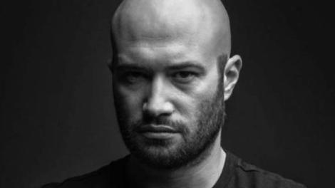 """VIDEO/ Mihai Bendeac a făcut o criză de nervi pentru că nu are apă caldă! """"Cred că are 0,0001 grade apa asta"""""""