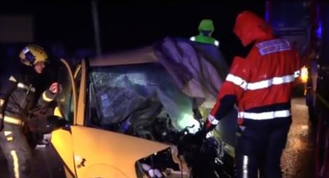 Doi români, tată și fiu, au murit în Spania, într-un accident cumplit! Mașina lor s-a transformat într-un morman de fiare! Atenție, imagini tulburătoare! - Video