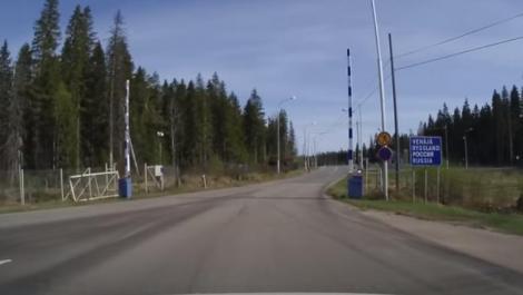 Imaginația unui rus întrece orice limite! A creat o graniță falsă pentru a păcăli patru migranți
