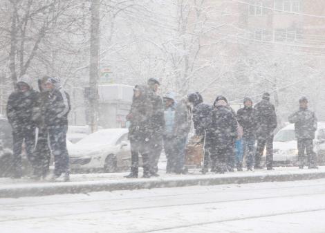 """România, lovită de ger, ninsori și viscol! Zonele în care condițiile meteo vor fi cumplite, în următoarele zile! """"Se extinde un anticiclon, cu aer polar"""""""