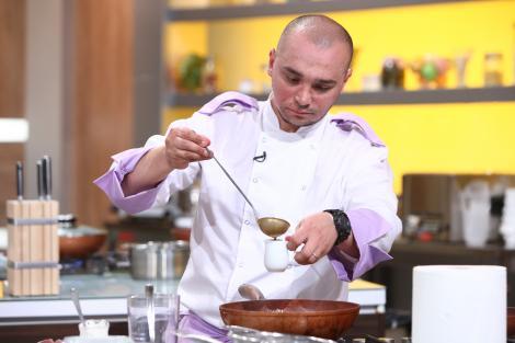 Chefi la cuțite, degustarea preparatelor. Chefii, surprinși plăcut de gusturile din farfurii! Chef Dumitrescu: Are un gust demențial. Parfumat, proaspăt, dulceag, ca o zi de primăvară