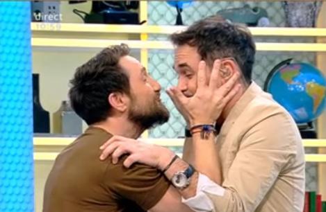 """Bombă! Răzvan și Dani aproape că s-au sărutat! """"Ia-mă! Până nu-mi dai pup, eu nu mă las!"""" - Video"""