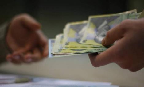 Lovitură cruntă pentru românii cu credite! Ce au anunțat specialiștii