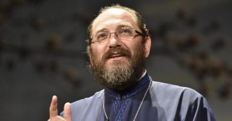 Părintele Constantin Necula: De ce oamenii cu credinţă în Dumnezeu sunt încercaţi cu suferinţe?