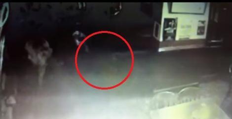 Apariție bizară, la un bar! Camerele de supraveghere au surprins ceva paranormal