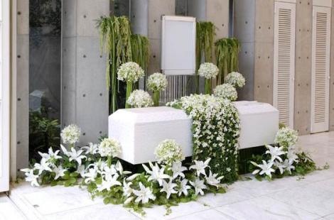 De ce tot mai mulți oameni apelează la serviciile funerare
