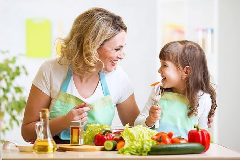 8 alimente pentru dinți sănătoși, la copii și adulți. Ce să mănânci ca să previi cariile dentare