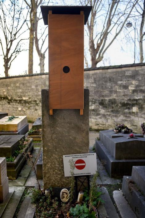 50.000.000 de euro! O capodoperă a lui Brâncuși e ascunsă sub o cutie de lemn, într-un cimitir!