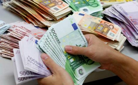 Curs BNR 27 februarie. Leul crește azi față de euro, lira, dolar, franc