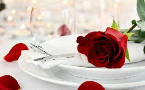 Tradiții ciudate de Ziua Îndrăgostiților. Locul în care cei singuri poartă doliu și jelesc