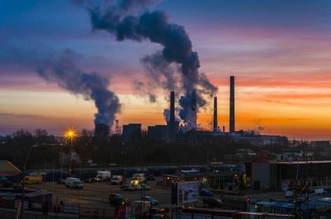 """""""Cu cât ești mai sărac, cu atât ai șanse să trăiești într-o zonă poluată!"""" Raportul european asupra mediului e îngrijorător!"""