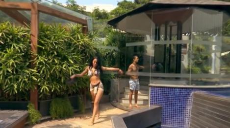 """Ruby, dans fierbinte în bikini, la """"Asia Express""""! """"Ce viață!"""" – Video"""