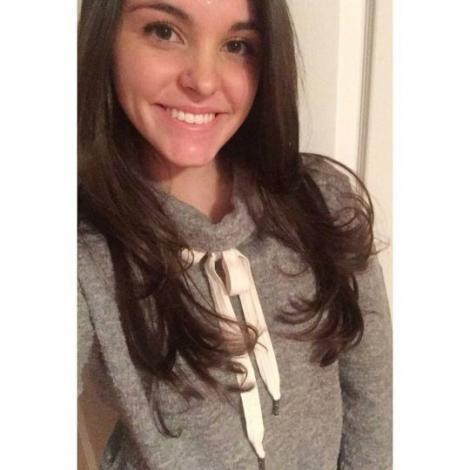 Studentă de 20 de ani, moartă după ce a mâncat clătite! Tânăra s-a prăbușit la pământ și a început să tremure incontrolabil