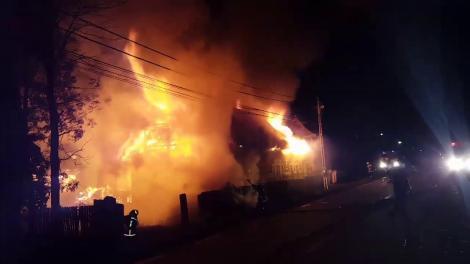 Tragedie la Vaslui! Bebeluș de un an, găsit ars, în casă, de pompierii veniți chemați să stingă focul