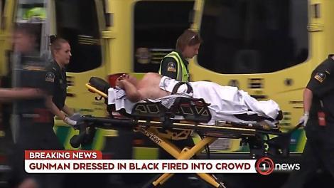 Atenție, imagini dure. Atacatorul din Noua Zeelandă s-a filmat în timp ce împușca oameni, la moschee