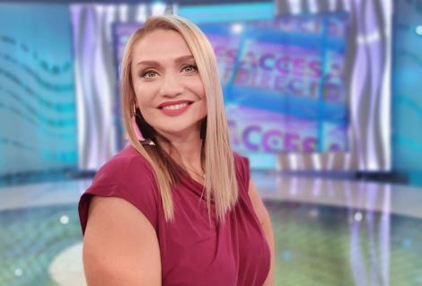 """Simona Gherghe a făcut marele anunț! Cristina Cioran o va înlocui la """"Acces Direct""""! Ce cadou i-a adus vedeta la preluarea ștafetei - Video"""