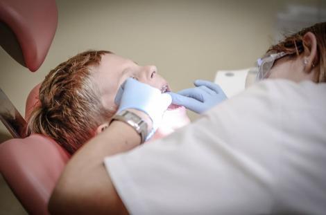 Ziua Mondială a Sănătății Orale. 40% dintre români nu au fost la dentist niciodată