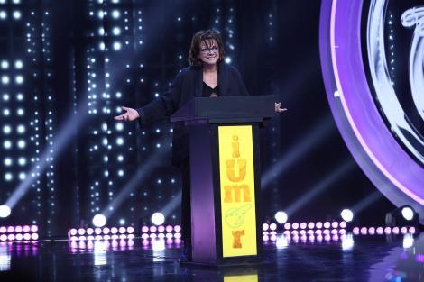 """Carmen Tănase, roast """"acid"""" la iUmor:  """"Delia, ești în primele trei cele mai mari cântărețe pop...de la tine din familie"""""""