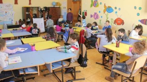 Copiii vor intra în învăţământul obligatoriu de la patru ani. Noua reformă în Educație