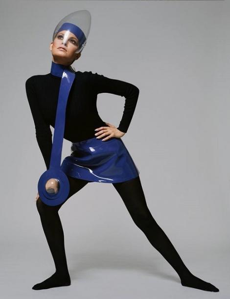 Muzeul Brooklyn din New York va organiza o mare retrospectivă dedicată designerului francez Pierre Cardin