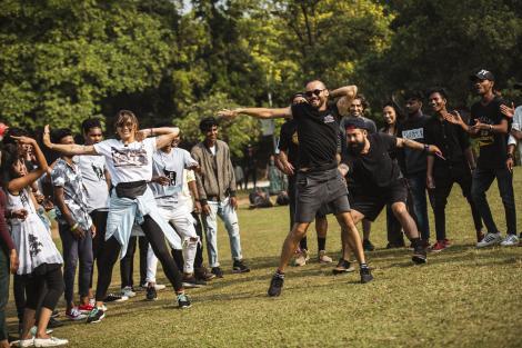 """Ce Bollywood, ia de aici mișcări de dans! Concurenții de la """"Asia Express"""" i-au lăsat mască pe indieni"""