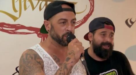 """Concurenții de la """"Asia Express"""" au pus mâna pe microfon și au făcut karaoke de zile mari! Tu puteai să cânți  """"Mundian To Bach Ke""""?"""