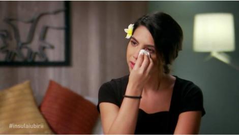 """Denisa, în lacrimi la Insula Iubirii, după ce iubitul ei a picat în ispită: """"A dat cinci ani pe o noapte! Sunt șocată!"""""""