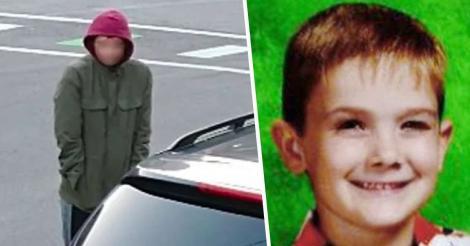 """""""Bună ziua, mai știți că a dispărut un copil acum 8 ani? Eu sunt"""". Un adolescent a cerut ajutor pe stradă, la aproape un deceniu de când toată lumea l-a crezut pierdut - FOTO"""