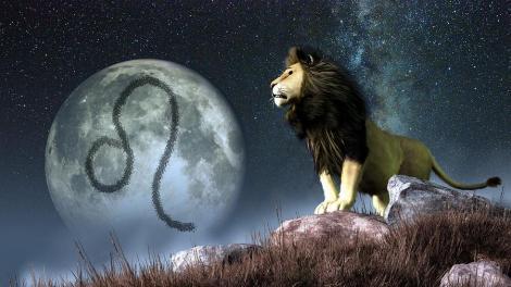 Horoscop de weekend. Luna în Leu aduce vești bune pentru trei zodii